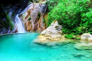 lefkada-pegasos hotel-waterfalls
